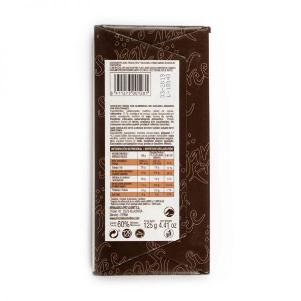 Extrafino negro con almendras sin azúcares añadidos