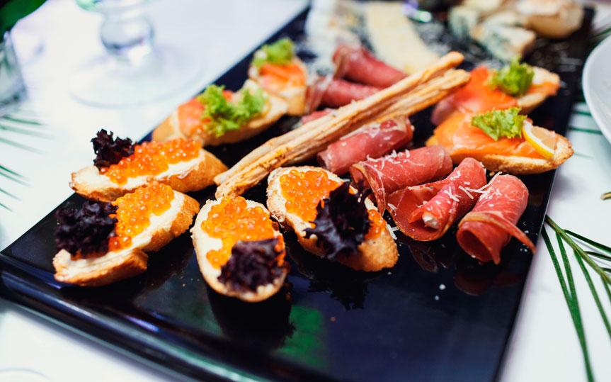 Descubre 5 deliciosas recetas de caviar para disfrutar con tus amigos