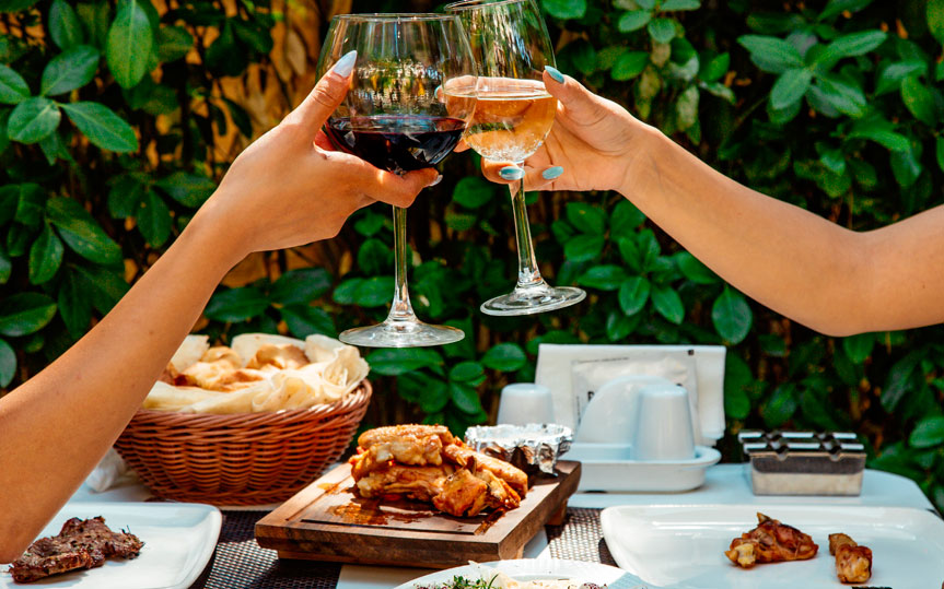 Maridaje de vino, claves y combinaciones para acertar con la comida