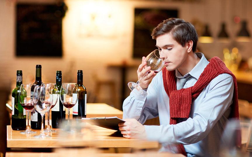 Aprender a disfrutar y catar vino con esta guía fácil paso a paso