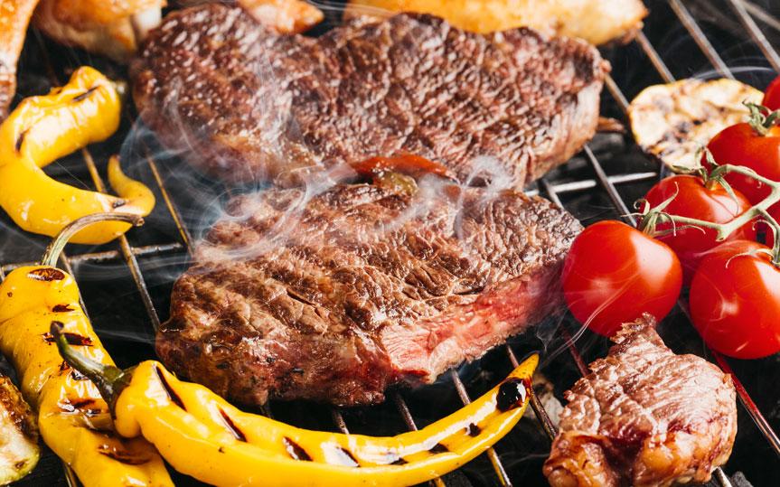 ¿Cómo preparar carne a la brasa o barbacoa y cuáles son los mejores cortes?
